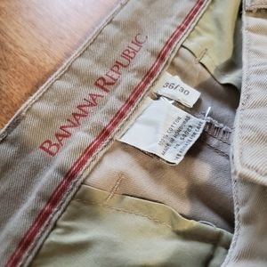 BANANA REPUBLIC men's chinos khakis